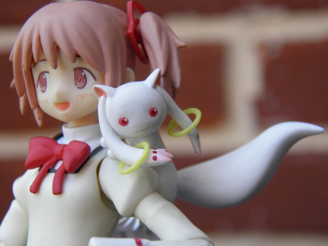 kyubey on my shoulder